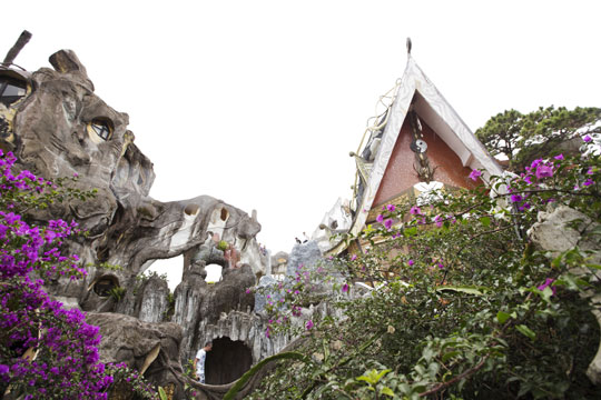 동화의 집이란 콘셉트로 설계된'크레이지 하우스'.