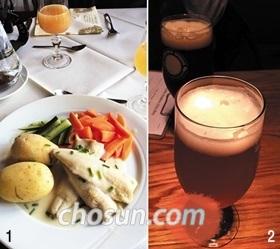 1 로엔호수 근처 레스토랑 센달스토바에서 파는 송어요리. 2 오슬로의 크래프트 맥줏집 그뤼네뢰카 브뤼거스.